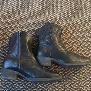 Women's Born Black Pebbled Leather Boots 9.5M